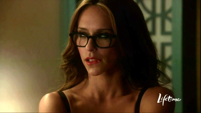 Jennifer Love Hewitt in The Client List-03